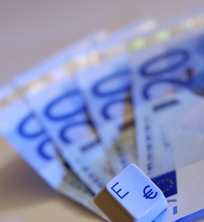 Maksuvalmius kuntoon uudella valtion takaamalla lainalla